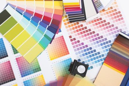 designers interior: spettro di colori di campioni usati da un grafico o un pittore