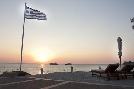 super yacht: super yacht Mored fuori una baia in grecia