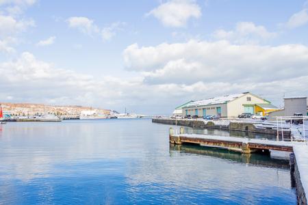 rikscha: OTARU, JAPAN - 9. DEZEMBER 2015: Kleiner Hafen um Otaru-Stadt Editorial