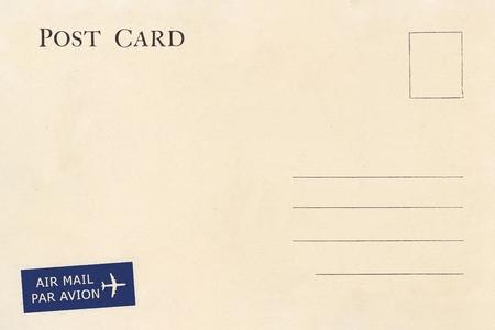 Rückseite einer leeren Vintage-Postkarte mit schmutzigem Fleck