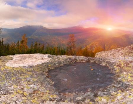 Autunno paesaggio in montagna. Alba photo