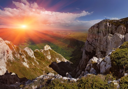 gleam: Summer landscape in the mountains. Sunrise