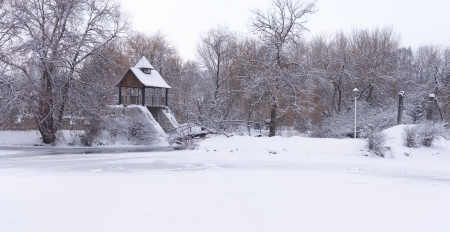 Panorama of the snow-covered city park Stock Photo - 16588151