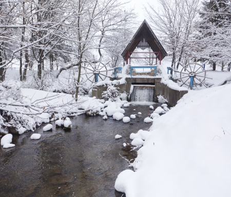 Snow-covered landscape in the city park Stock Photo - 16740923
