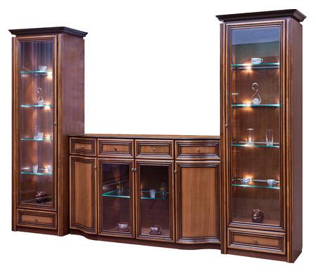 ガラスのドアと木製の食器棚。白で隔離