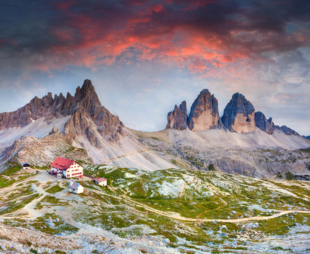 Colorful summer sunrise in Italy Alps, refugio Lacatelli, Tre Cime Di Lavaredo, Dolomites, Europe. Zdjęcie Seryjne