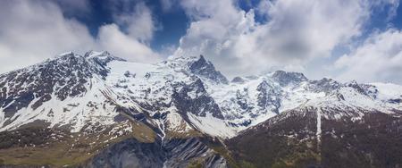 est: Snowy spring panorama of the Le Rateau, Est, Meije peaks and De La Selle glacier. Hautes Alps, Ecren, France, Europe.