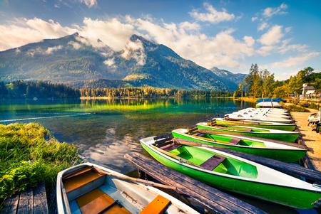 Colorsul summer scene on the Hintersee lake with white pleasure launches. Sunny morning scene in Austrian Alps. Salzburg-Umgebung, Austria Imagens