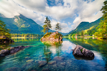 Magnificent summer scene of Hintersee lake. Colorful morning view of Austrian Alps, Salzburg-Umgebung district, Austria, Europe. Beauty of nature concept background. Foto de archivo - 116549585