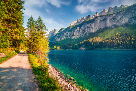 Bright summer scene of Vorderer ( Gosausee ) lake. Picturesque morning view of Austrian Alps, Upper Austria, Europe. Traveling concept background. Foto de archivo - 116549586