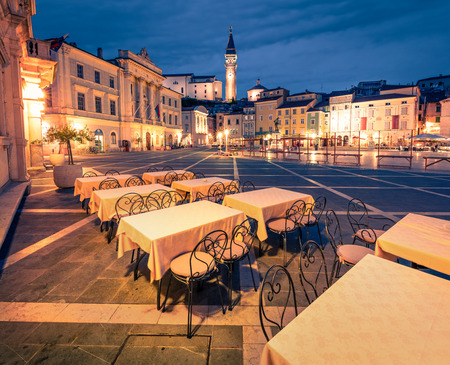 Beautiful night view of Tartini Square in old town Piran. Splendid spring sunset in Slovenia, Europe. Traveling concept background. Magnificent Mediterranean landscape. Banque d'images