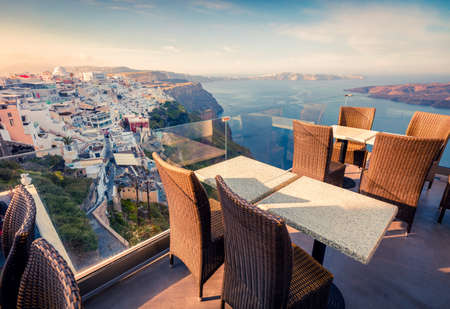 Sunny morning view of Santorini island. Picturesque spring scene of the  famous Greek resort Fira Greece, Europe. Traveling concept background. Zdjęcie Seryjne