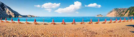 Panoramic spring view of Petani Beach. Colorful morning scene of Cephalonia Island, Greece, Europe. Beautiful seascape of Mediterranen Sea. Splendid outdoor scene of Ionian Islands. Stockfoto