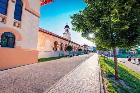 Gorgeous summer view of Coronation Orthodox Cathedral in Fortress Of Alba Iulia. Wonderful morning scene of Transylvania, Iulia Alba city, Romania, Europe. Traveling concept background. Stockfoto