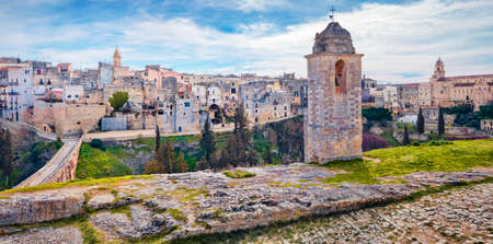 Breathtaking spring cityscape of old Latin town - Gravina in Puglia. Marvelous morning scene of Apulia, Italy, Europe. Traveling concept background. Foto de archivo
