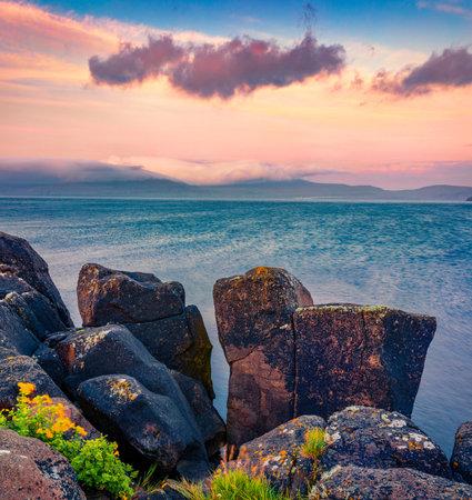 Astonishing morning seascape of Atlantic ocean. Fantastic sunrise on outskirts of Kirkjubour village, Faroe Islands, Denmark, Europe. Beauty of nature concept background. 免版税图像