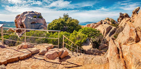 Panoramic summer view of popular tourist destination - Rock of the Bear. Superb morning scene of Sardinia island, Capo D'orso, Province of Olbia-Tempio, Italy, Europe. Traveling concept background. 免版税图像