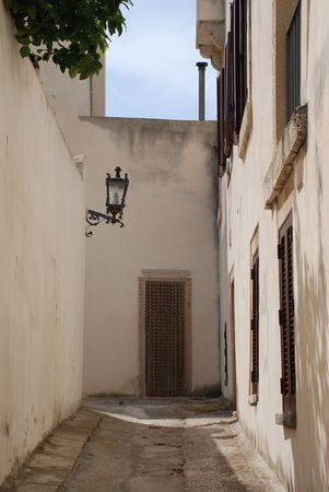 A whitewashed street in the southern Italian city of Otranto Stock Photo - 3809947