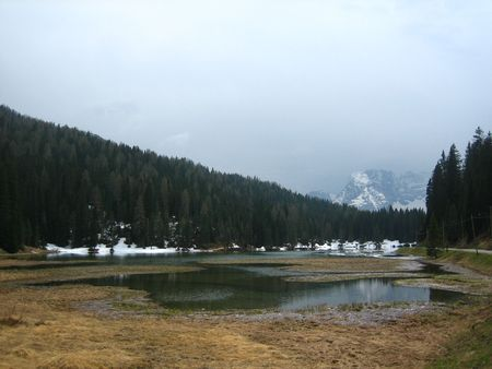 lake misurina: Lake Misurina in northern Italy. Shot taken in the winter with snow on the ground and the nearby mountains