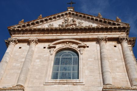 chiesa: The Chiesa Madre San Giorgio Martire, located in the town of Locorotondo in Puglia, southern Italy  Stock Photo