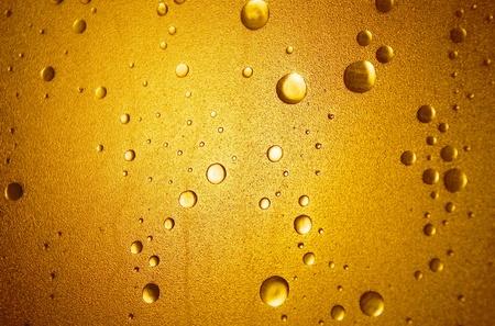 trippy: La luz brilla a trav�s de una puerta de la ducha de pl�stico con una superficie de la burbuja-efecto