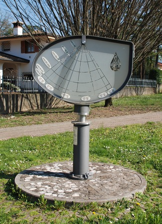 reloj de sol: La altura del reloj de sol o Orologio Solare d Altezza