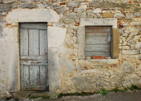 tatty: An abandoned historic old building in the central Istrian medieval hill town of Pican in Croatia. Stock Photo