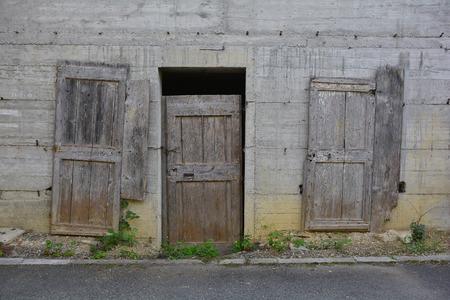 tatty: A derelict building in the small Italian village of Merso di Sopra, Friuli Venezia Giulia.