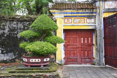 베트남 색조의 황실 도시 왕립 극장 단지 내 건물 스톡 콘텐츠