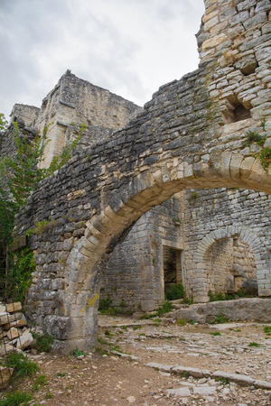 An archway in Dvigrad, an abandoned medieval town in central Istria, Croatia, which was inhabited until the eighteenth century 스톡 콘텐츠