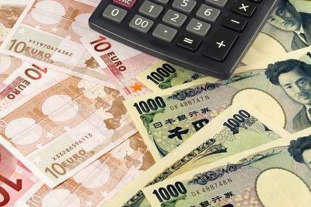 japanese currency: Euro and Japanese currency pair commonly used in forex trading with calculator