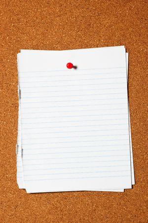 dopisní papír: Pieces of writing paper pinned on corkboard