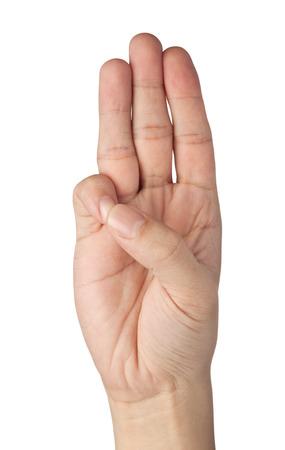 dedo: Mano que gesticula un saludo de tres dedos aislados sobre fondo blanco
