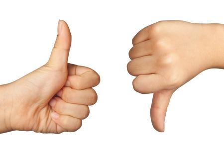 comunicacion no verbal: la formación de la mano del niño y como señal de desagrado aislados sobre fondo blanco