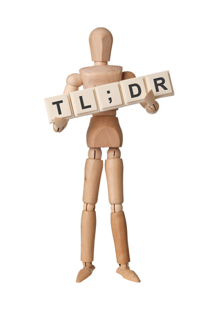 Wooden figurine with the letters TL;DR isolated on white background Banque d'images - 99900953