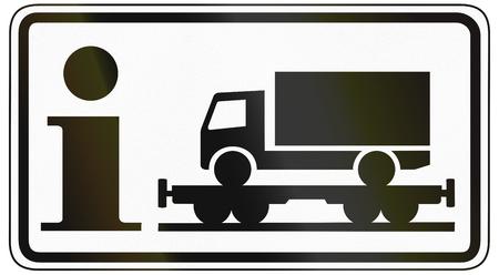 rectangulo: Señal de tráfico del panel adicional alemán para especificar el significado de otros signos: Información sobre motorail para camiones.