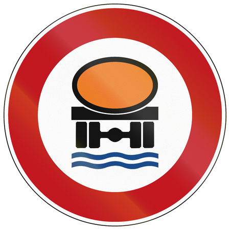 thoroughfare: German traffic sign prohibiting thoroughfare of vehicles transporting goods dangerous to water reserves.