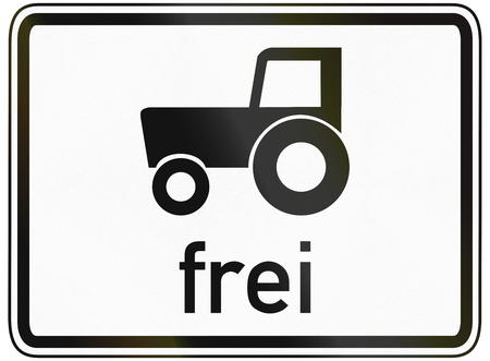 specify: German traffic sign additional panel to specify the meaning of other signs: TractorsSlow vehicles allowed.