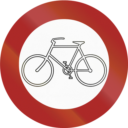 thoroughfare: German sign prohibiting thoroughfare of bicycles on sundays and public holidays.