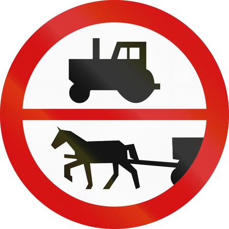 motor de carro: Signo polaco tr�fico: No hay tractores, veh�culos de construcci�n, etc., o coches de caballos.