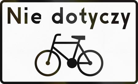 ciclos: Señal de tráfico polaco panel adicional para especificar el significado de otros signos: Ciclos exentos