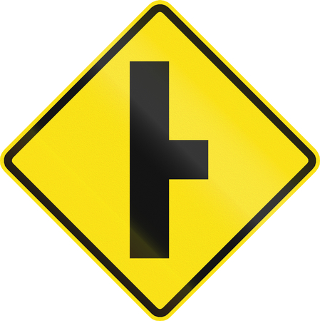 routing: Chilean road warning sign: T-Intersection ahead