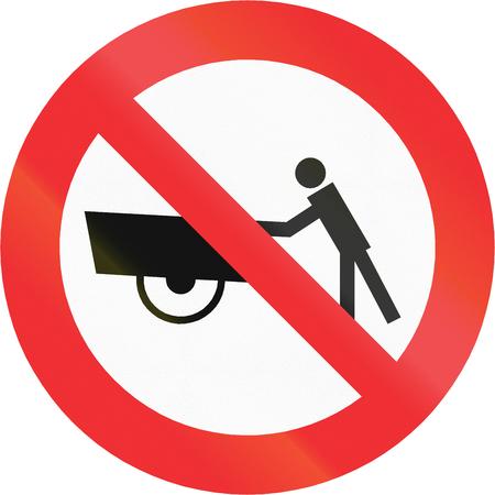 thoroughfare: Chilean traffic sign prohibiting thoroughfare of handcarts.