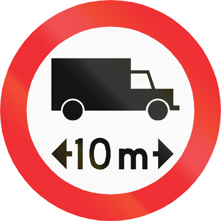 thoroughfare: Chilean traffic sign prohibiting thoroughfare of vehicles with a length over 10 meters. Stock Photo