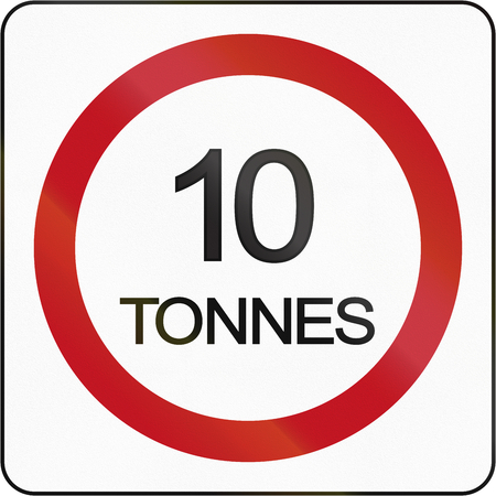tons: Bruneian traffic sign prohibiting throroughfare of vehicles with a weight over 10 metric tons. Stock Photo