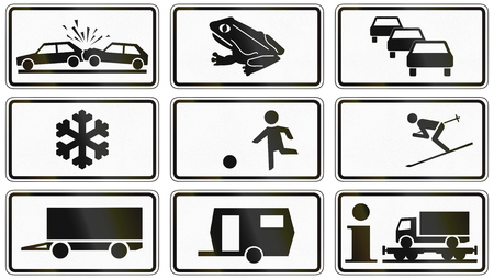 skiing accident: Collection of various German supplementary road signs: Accidents, amphibians, traffic queues, frost, playing children, skiing, trailer, motorail for lorries.
