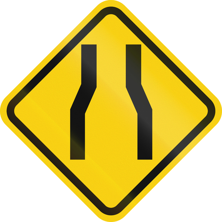 one lane road sign: Colombian road warning sign: Narrow road ahead