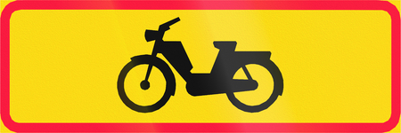 mopeds: Additional traffic sign in Finland - Mopeds Only