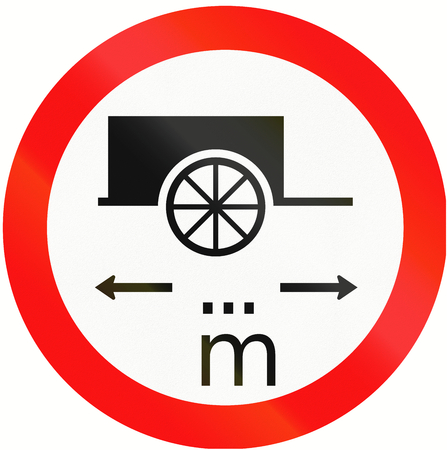 thoroughfare: Indonesian traffic sign prohibiting thoroughfare of carts with a length of... meters.