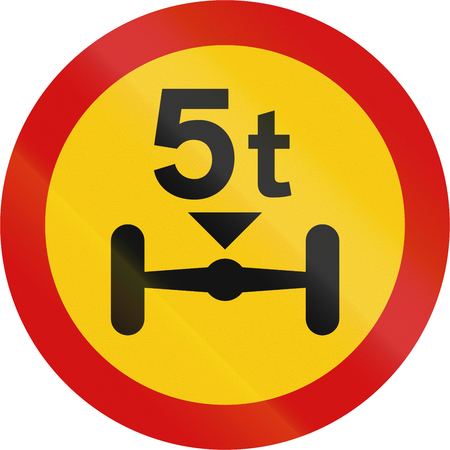 axle: Road sign in Iceland - No vehicles with a weight per axle above that shown on the sign Stock Photo